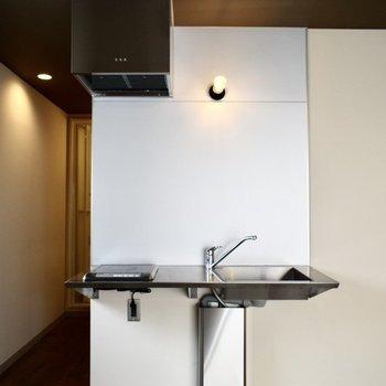 キッチンはホテルみたいにデザイン性が高いですよ。