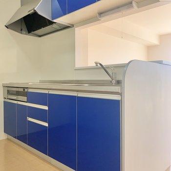 ブルーのキッチンです。