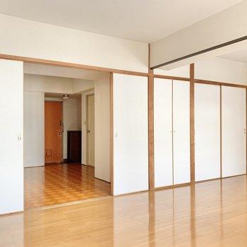 洋室は約12帖。こ〜んなに広いんです!