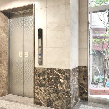 お部屋まではエレベーターでスイスイっと。