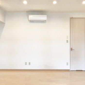 【洋室③】すべての部屋にエアコンが付いています。