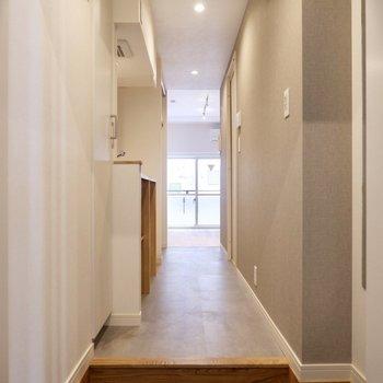 玄関を開けたら広がる心地よい空間。