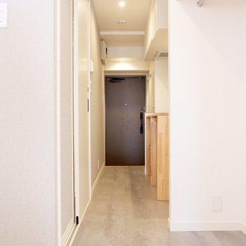 廊下も上品な雰囲気です