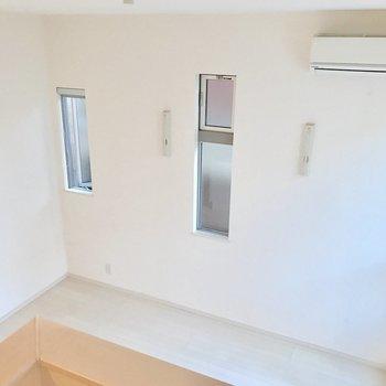 ロフトからの眺め。白さで広さが増しますね(※写真は1階の同間取り別部屋のものです)