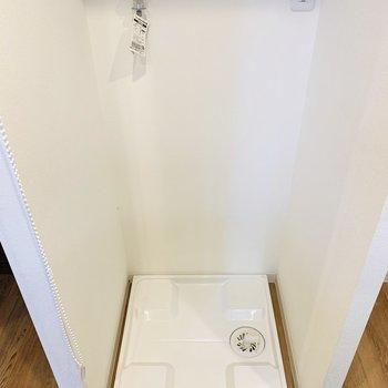 キッチンの正面には洗濯機置き場。