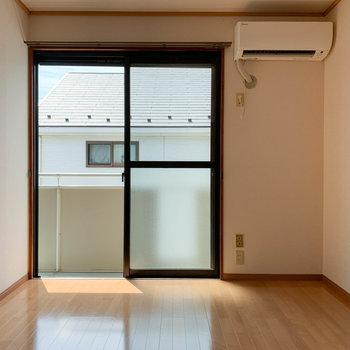 【洋室6帖②】こちらの洋室もエアコン付き。