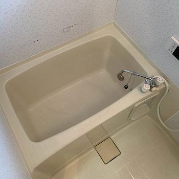 追い炊きと、自動お湯張りの機能もついてます。