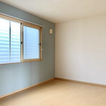 2階のお部屋はクロスが素敵なんです。