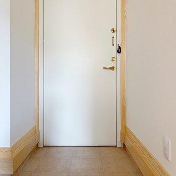 玄関、ひとまずスタメンを2〜3足は出しておけそう。