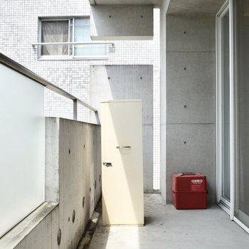 バルコニー広い!静かなのでこのスペースを有効活用するのも良さそう・・!※写真は6階の同間取り別部屋のものです。