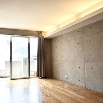 間接照明がかっこいいです。※写真は6階の同間取り別部屋のものです。