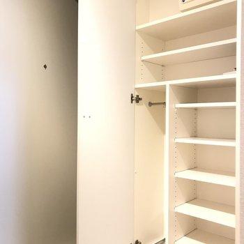 下駄箱もしっかり※写真は1階の同間取り別部屋のものです