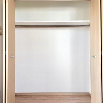 クローゼットもしっかり入るサイズ◎(※写真は3階の同間取り別部屋のものです)