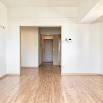 天井が高いので、空間もゆったり感じますよ(※写真は3階の同間取り別部屋のものです)