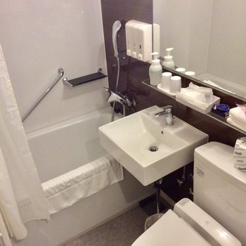 浴室と洗面台はギュッとまとまっています。