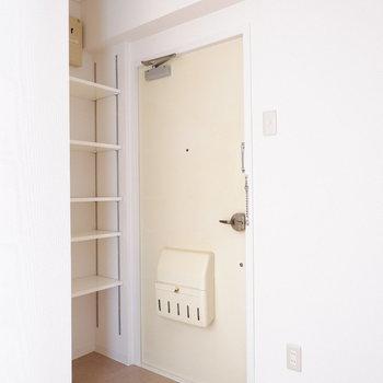 玄関はコンパクトながら収納十分◎※写真は前回募集時のものです