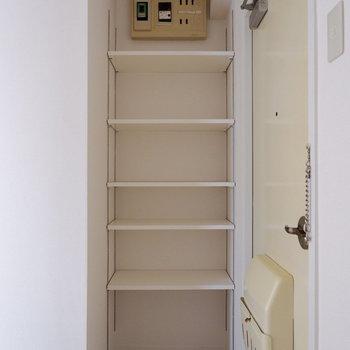 こちらも可動棚で調節可能な万能棚です!※写真は前回募集時のものです