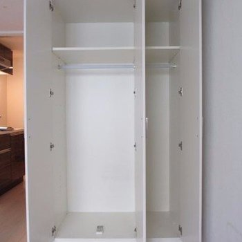 収納はひとりぶん※写真は3階の反転間取り別部屋のものです