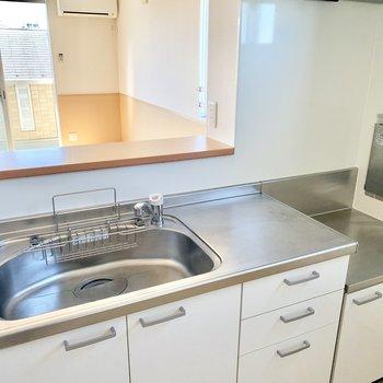 【キッチン】洗い物もしやすそうです。
