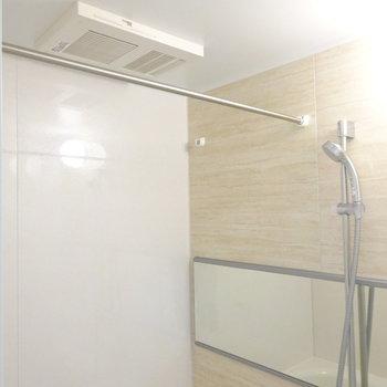 浴室乾燥機も付いてます!(※写真は7階同間取り別部屋のものです)
