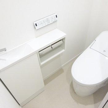 トイレはそのまま手が洗えます!(※写真は7階同間取り別部屋のものです)