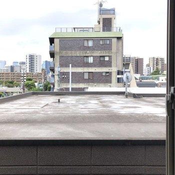 南向きの窓からの眺望です。