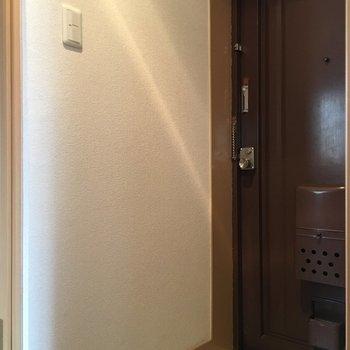 玄関スペースです※写真は4階反転間取り・別部屋のものです