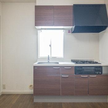 【DK】キッチンは新しいものに取り替えられていますね。※写真は前回募集時のものです