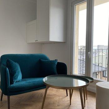 家具付のデザイナーズのお部屋です。