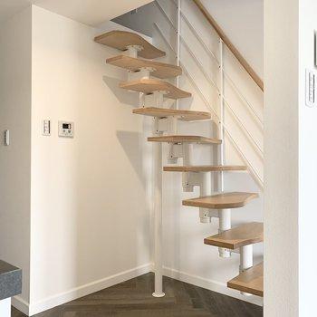 お次は階段を登ってロフトへ。