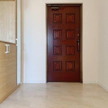 玄関もかなりゆったり◎来客時も安心ですね。
