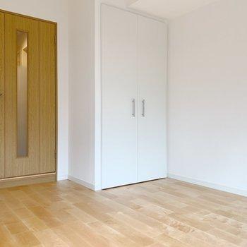 木製の家具がよく合いそうです。