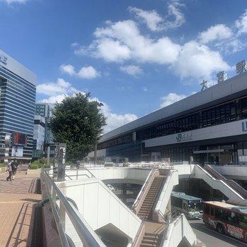 大宮駅前はお店や施設がたくさん。