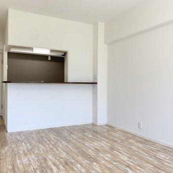 【LDK】つづいて、キッチンを見てみましょう。