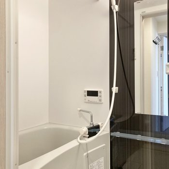 浴室乾燥機付きのお風呂です。