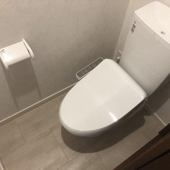 嬉しい温水洗浄便座。