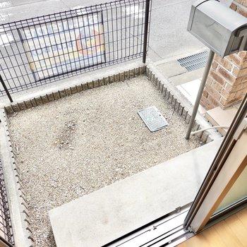 1階には専用庭付き。ちょっとした物置きやガーデンに。