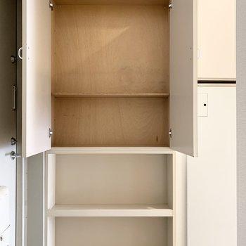 シューズボックスは薄型ですが、ダボ穴が空いているので棚板の増設ができます◎