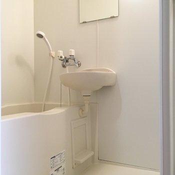 二点ユニット。トイレがない分広々使えます。※写真は2階の同間取り別部屋のものです