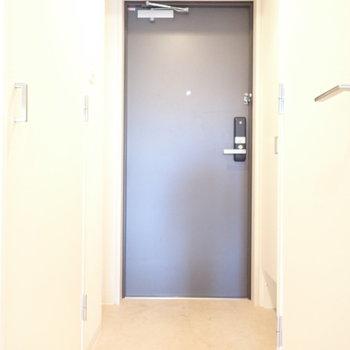 玄関のたたきはナナメに!(※写真は11階の同間取り別部屋のものです)