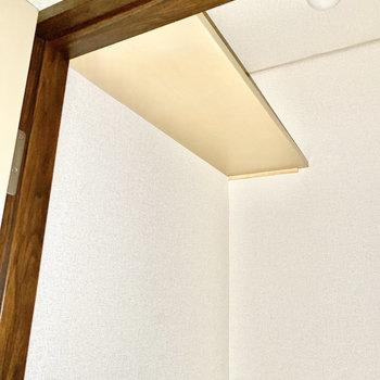 棚が付いています。※写真は1階の同間取り別部屋のものです