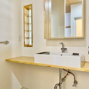 ホテルライクな洗面台。スッキリおしゃれ。