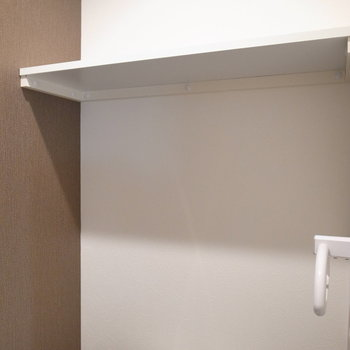 棚板が低めの位置なので、背が小さい方でも使いやすいです。