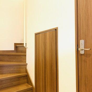 3階は他にお手洗いと物置があります。そして奥の階段から最上階の4階へ。