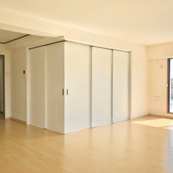 洋室1部屋はリビングの一角に。