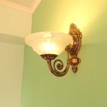 照明がまた素敵(※写真は8階似た間取り、別部屋のものです)