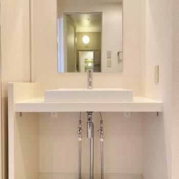 ホテルみたいな洗面台…朝の準備もはかどりますね!