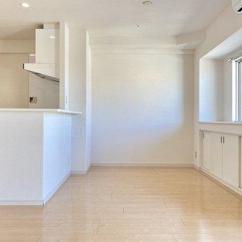 家具もシンプルにまとめたいな。より落ち着く空間に。