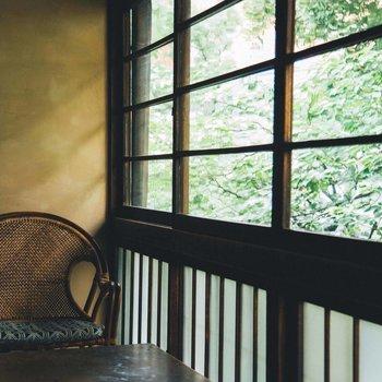 椅子に座って自然を眺めていたらいつの間にか日が暮れていた、なんてこともあるかもしれません。