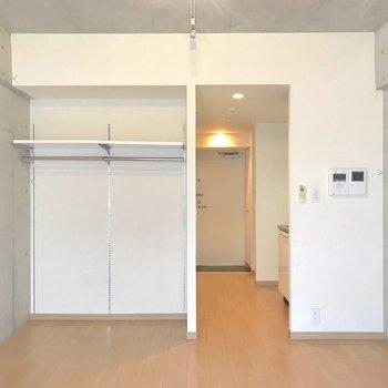 全体的にスッキリまとまっている印象です。※写真は4階の反転間取り別部屋のものです